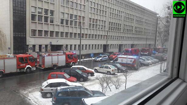 Akcja straży w sądzie Miron/Kontakt 24