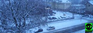 Śniegu nawet na kilkanaście centymetrów. Na północy i wschodzie wciąż pada